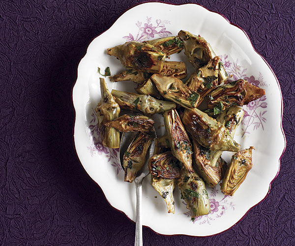 Quick-Braised Baby Artichokes with Garlic, Mint, and Parsley