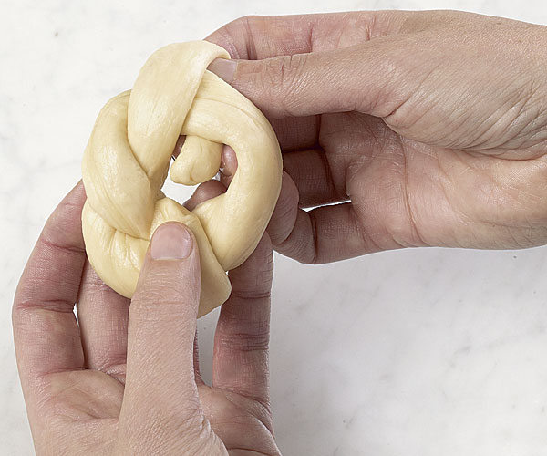 how to shape dinner rolls