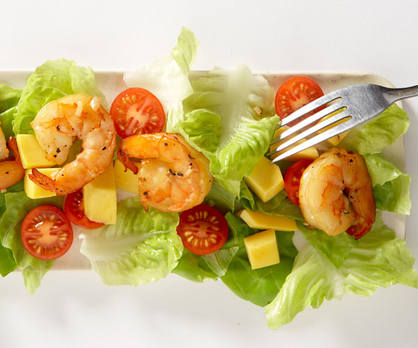 Tea-Smoked Shrimp Salad with Mango recipe