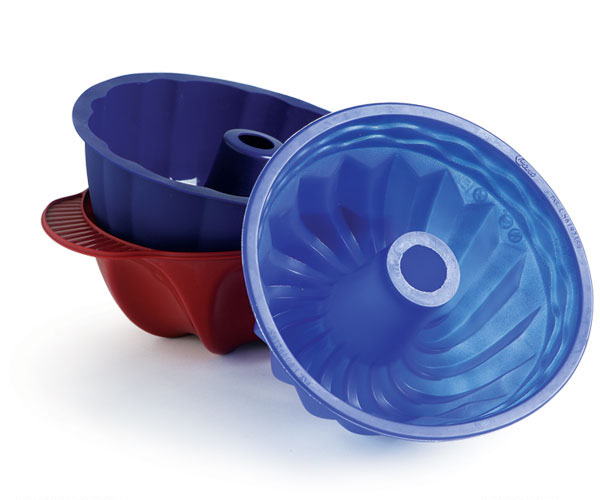 Tool Vs Tool Metal And Silicone Bundt Pans Face Off